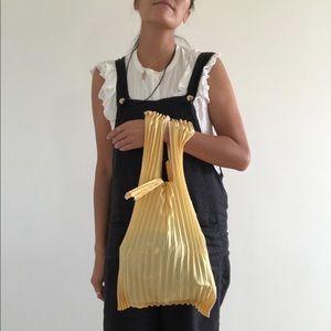 Adorable PLECO pleated bag yellow